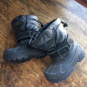 Like New toddler snow boots